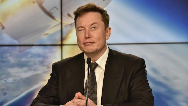 Elon Musk está reclutando talento en todo el mundo para unirse a Tesla y no es necesario tener título universitario