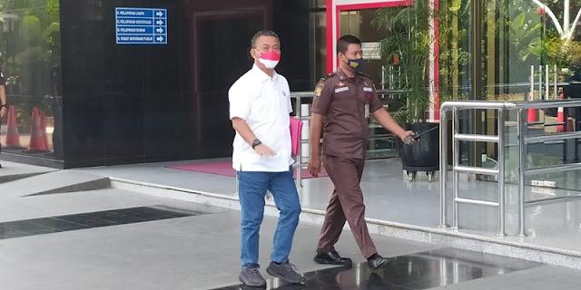 Prasetyo Edi Bungkam saat Tiba di KPK, Anies Baswedan Pilih Hadapi Wartawan