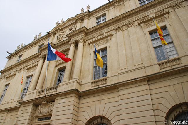Facciata del Municipio di Arles