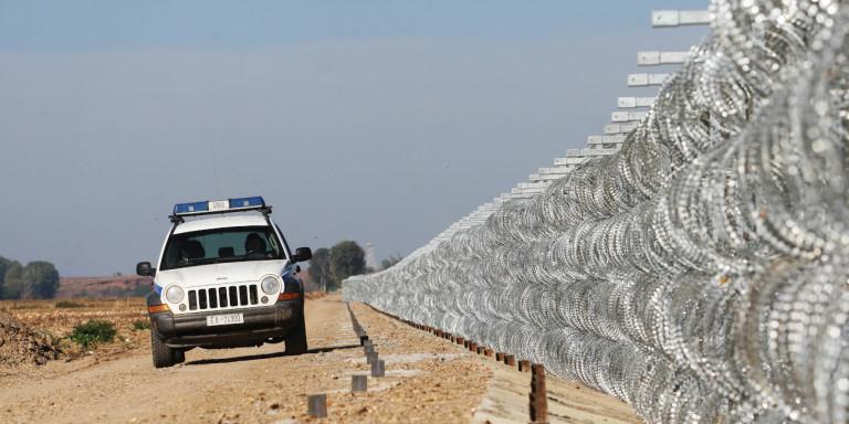 Επεισοδιακή καταδίωξη διακινητή μεταναστών στον Έβρο