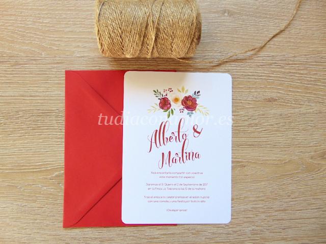 Invitación de boda bonita y romántica con letras retro y flores pintadas en acuarela