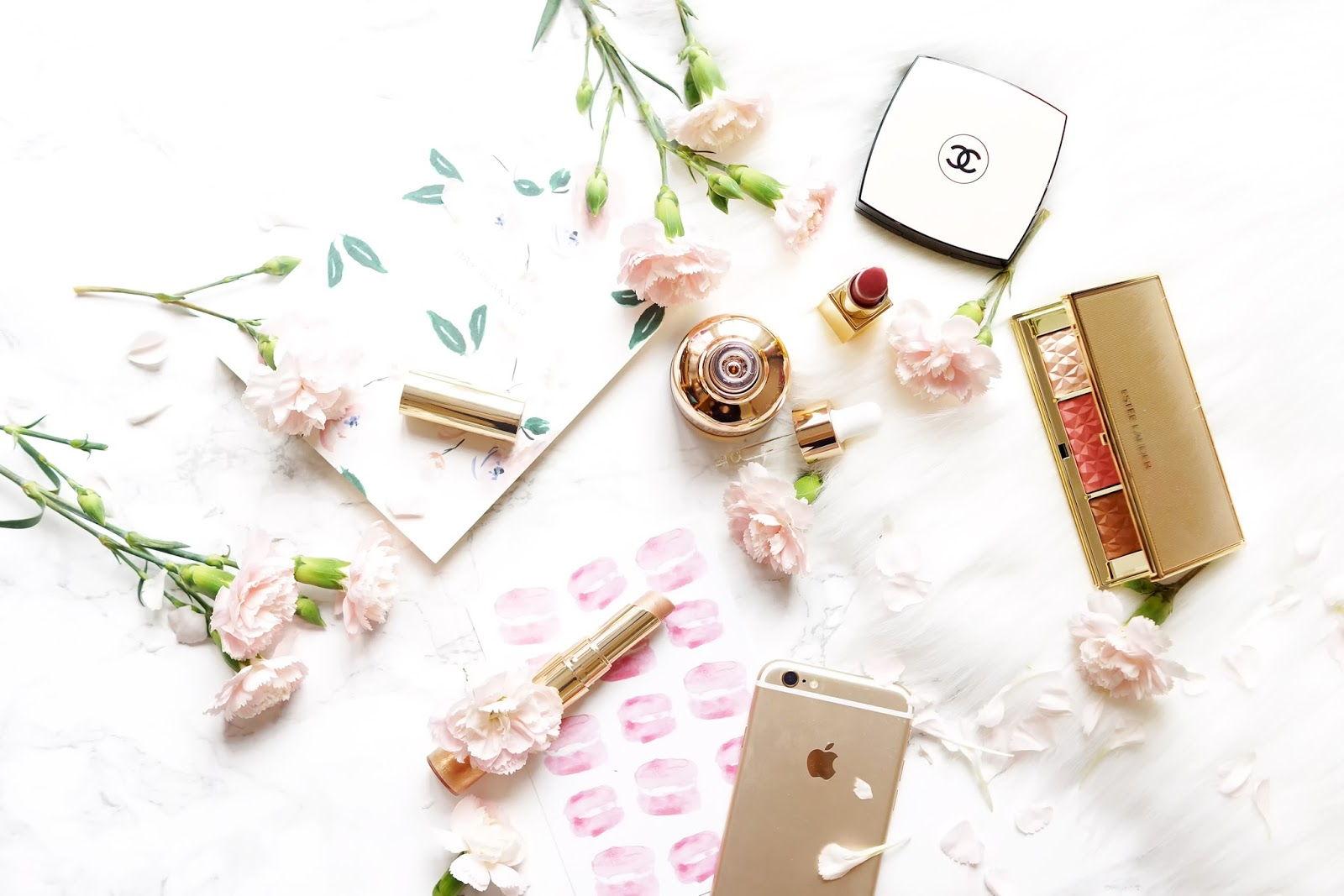 makeup-flatlay-photography-barely-there-beauty-blog-luxe-rose-gold-pink-lifestyle