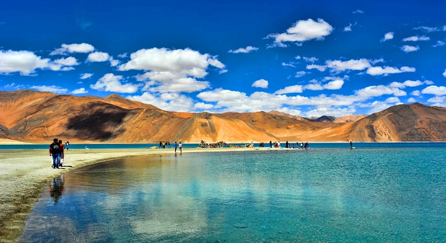 Pangong Tso Lake, Ladakh - The Attractive Appearance Of This Beautiful Lake Will Make You Fall In Love With It