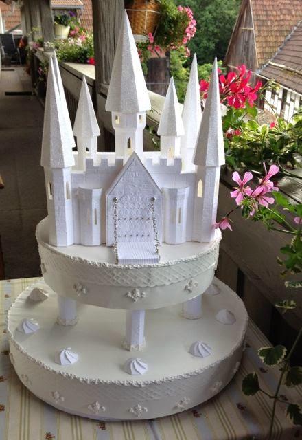 Susi S Basteltipps Eine Hochzeitstorte Aus Papier