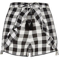 https://www.riverisland.com/women/sale/shorts/black-gingham-print-frill-shorts-700571