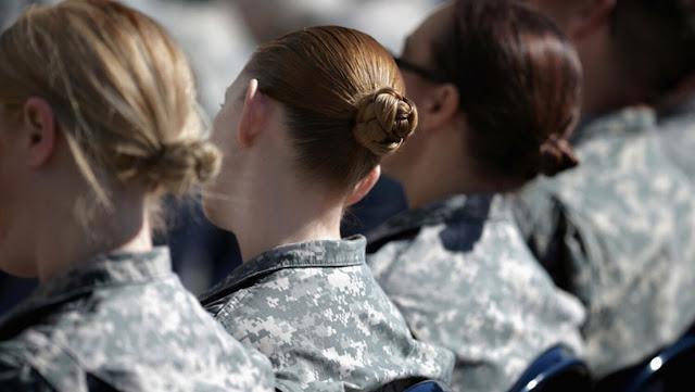 """Una exsoldado que fue violada por un compañero afirma que el Ejército de EE.UU. """"está plagado de abusos sexuales sistémicos"""""""
