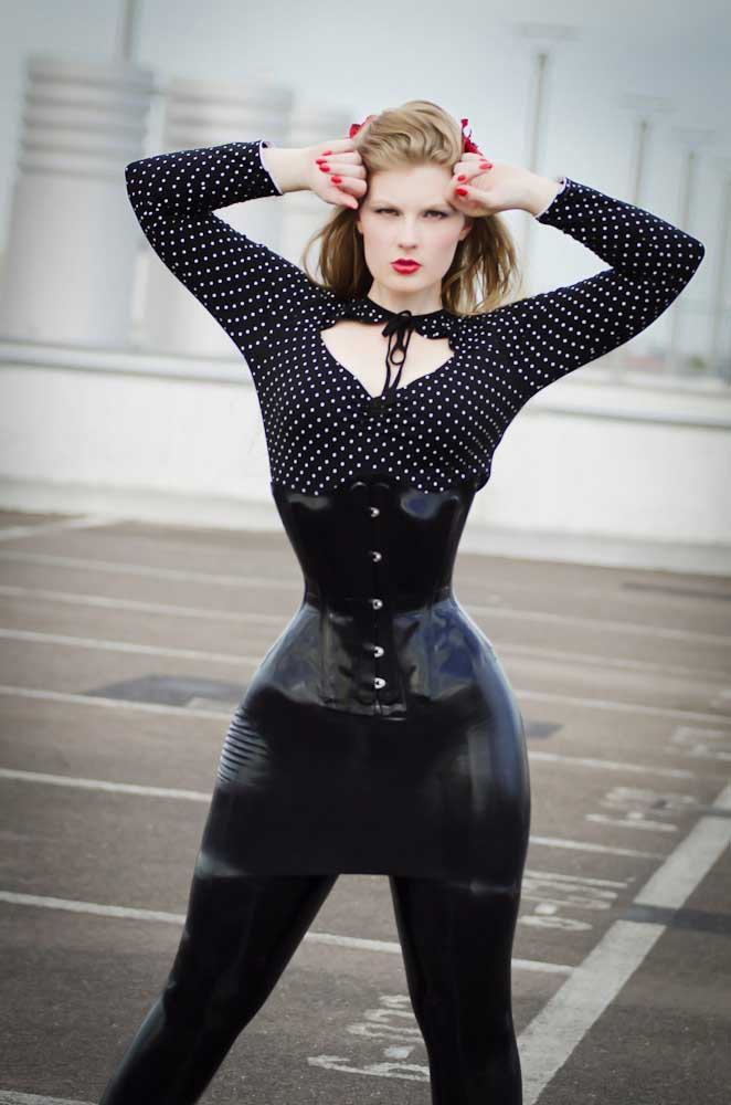 Huge tits thin waist