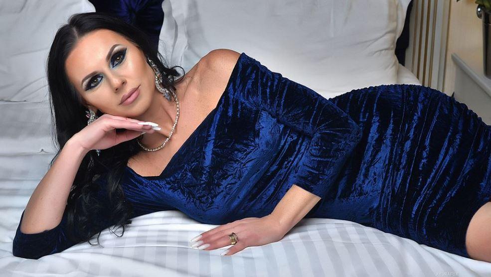 AydraFox Model GlamourCams