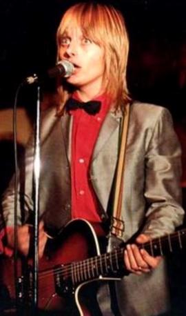 Foto de Freddy Moore cantando en el escenario