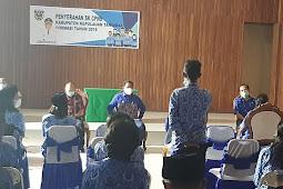 Petrus Fatlolon Serahkan SK 83 CPNS Tanimbar Formasi 2019