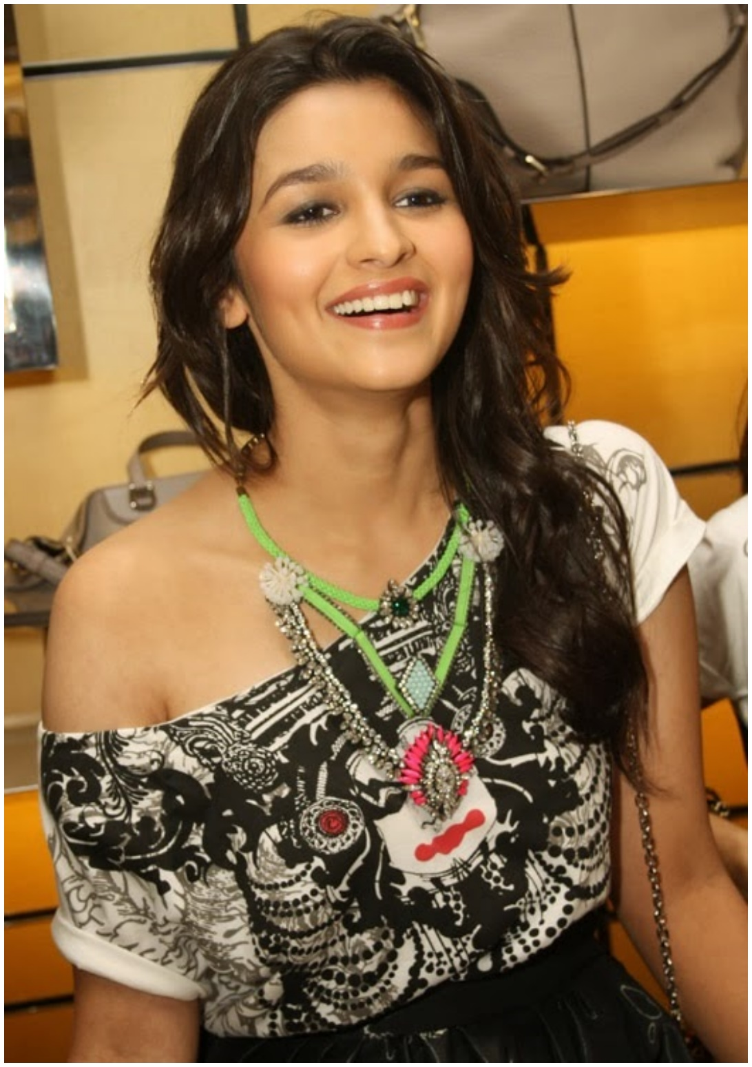alia bhatt hd hot wallpapers cute indian actress – techteam24