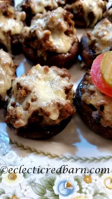 Burger Stuffed Portobello Mushrooms. Share NOW. #easydinner #dinner #appertizer #eclecticredbarn