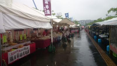 大陶器市の会場中央通路(柏の葉)