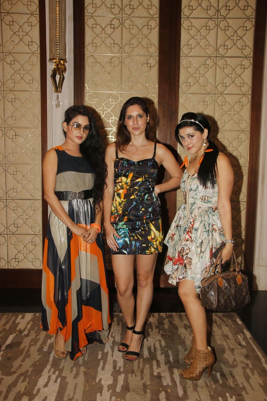Poonam Pandey, Serah Singh, Neha Kakkar At Yuva Bharat -8583