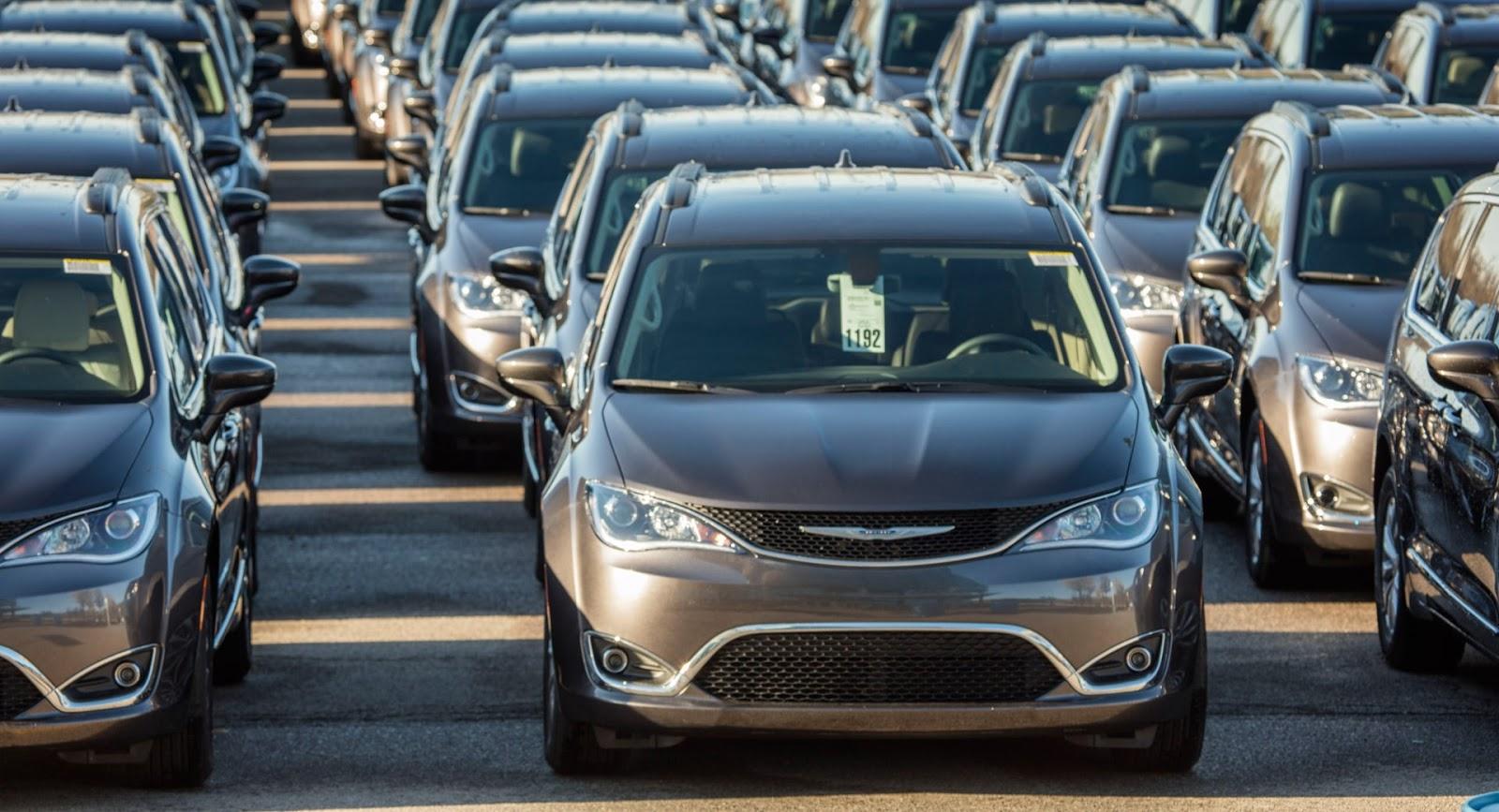 Chrysler's Recalling 160,000 Stalling Pacifica Minivans