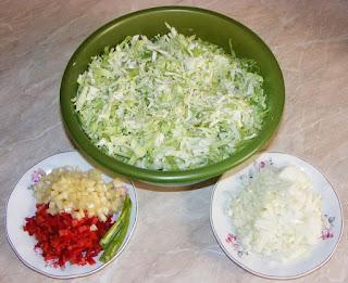 retete cu varza, retete cu ardei si ceapa, preparate din varza si legume, retete, retete culinare,