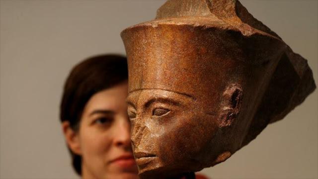"Egipto pide a Interpol localizar ""niño faraón"" vendido en Londres"