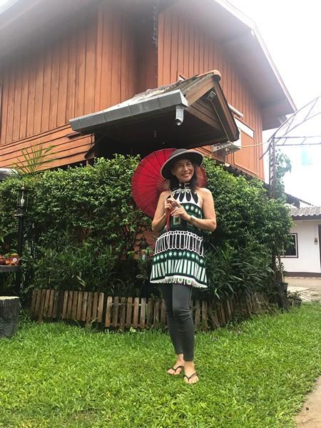 Thai woman BenjaKalyani Navratri Living Goddess