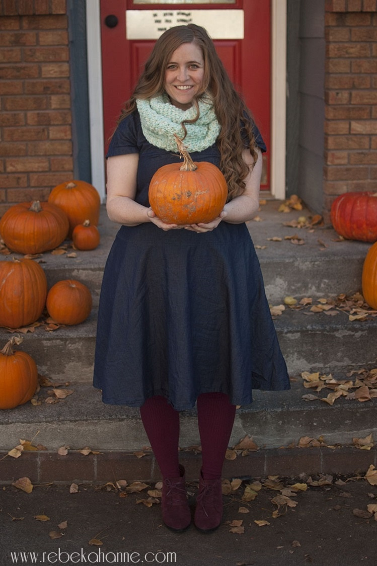 How to maintain comfort in your fall wardrobe - Rebekah Anne Blog - Click through to find out what she and other bloggers have to say on this topic!