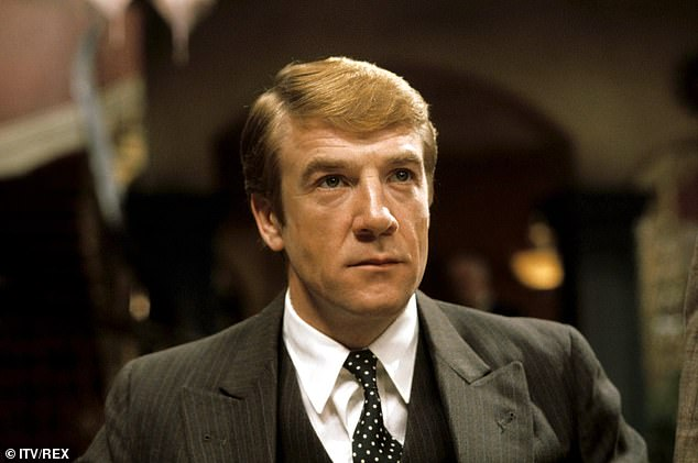 British Bond star Bryan Marshall dies aged 81