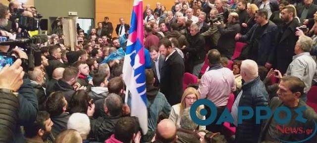 Ντου του ΠΑΜΕ στο συνέδριο της ΓΣΕΕ στην Καλαμάτα (βίντεο)