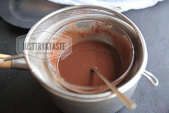 Bolu Ubi Jalar Kuning dengan Coklat Glaze