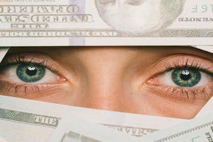 Haduh Boros! 4 Kebiasaan Menjelang Lebaran yang Membuat Uang Kamu Cepat Habis!