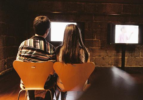 A közös sorozatnézés erősít a párkapcsolatot