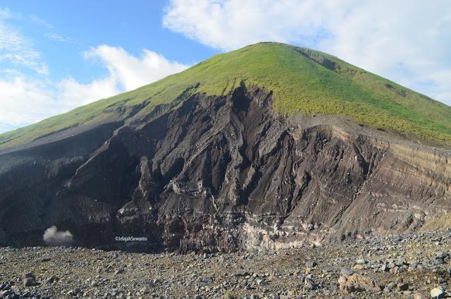 Kawah Tompaluan di kaki Gunung Lokon ©JelajahSuwanto