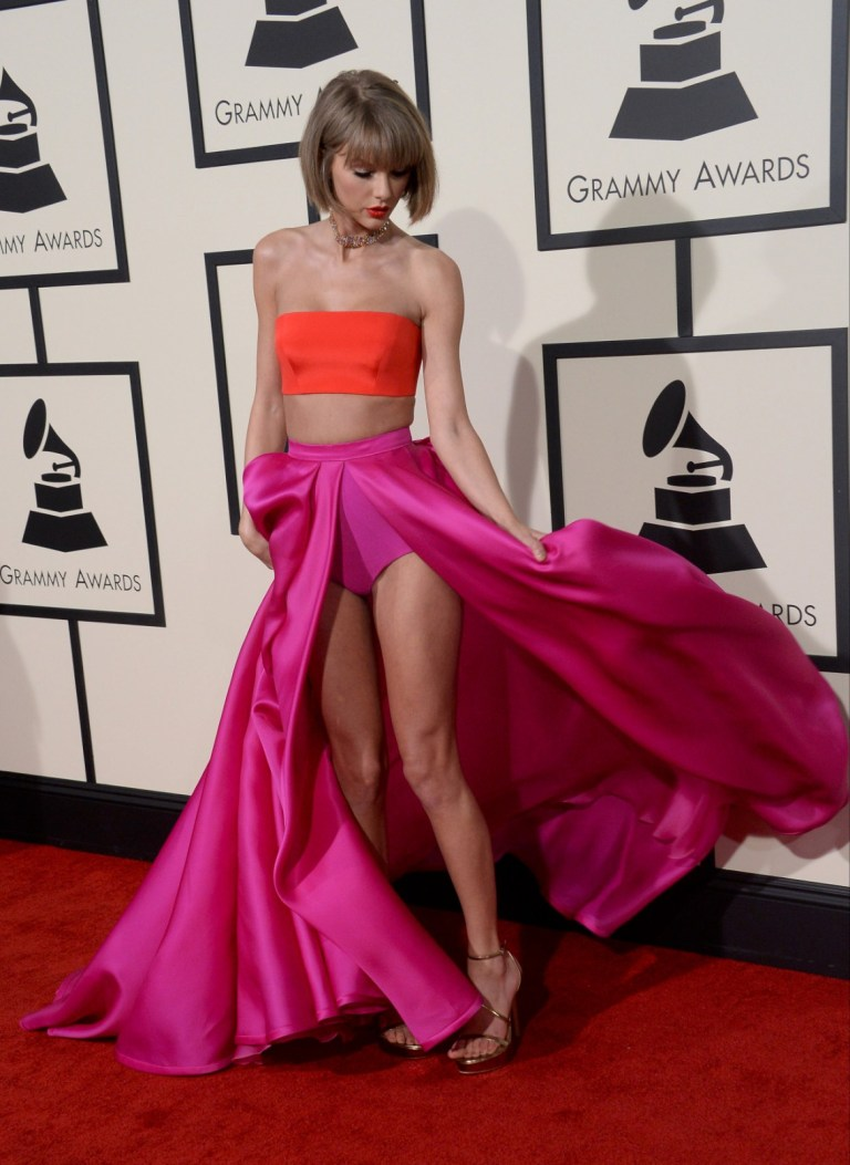 Taylor Swift 58th Grammy Awards Wallpaper Bollywood
