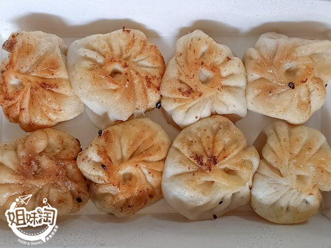 肉香水炸彈;喝得到湯的精隨,不喜歡吃正餐的你一定嘗試-上海生煎湯包
