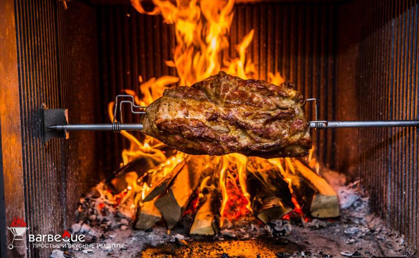 Мясо на вертеле по-меланезийски