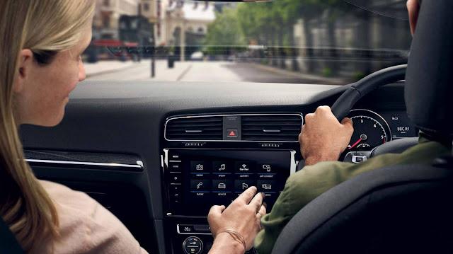 VW Golf GTE 2018 - sistema Discover Pro 9,2 polegadas