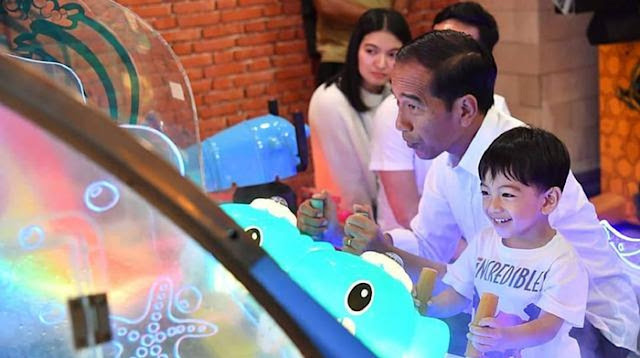 Jokowi Diajak Main ke KPK, Istana: Tidak Terlalu Penting, Buang-buang Waktu
