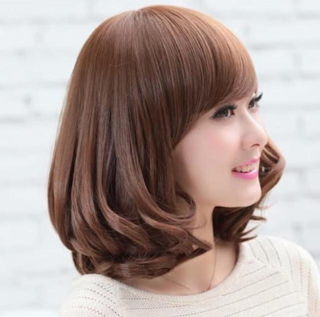 potongan rambut wanita sebahu cantik