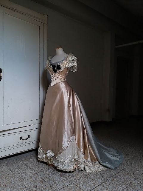 1895 reproduction dress done in 2021