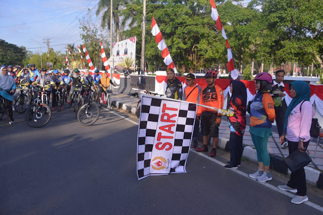 Wabup lepas peserta sepeda santai