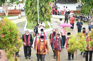 Wali Kota Tual Adam Rahayaan, Wakil Wali Kota Tual Usman Tamnge, Wakil Bupati Malra Petrus Beruatwarin, Sekda Tual Ahmad Yani Renua