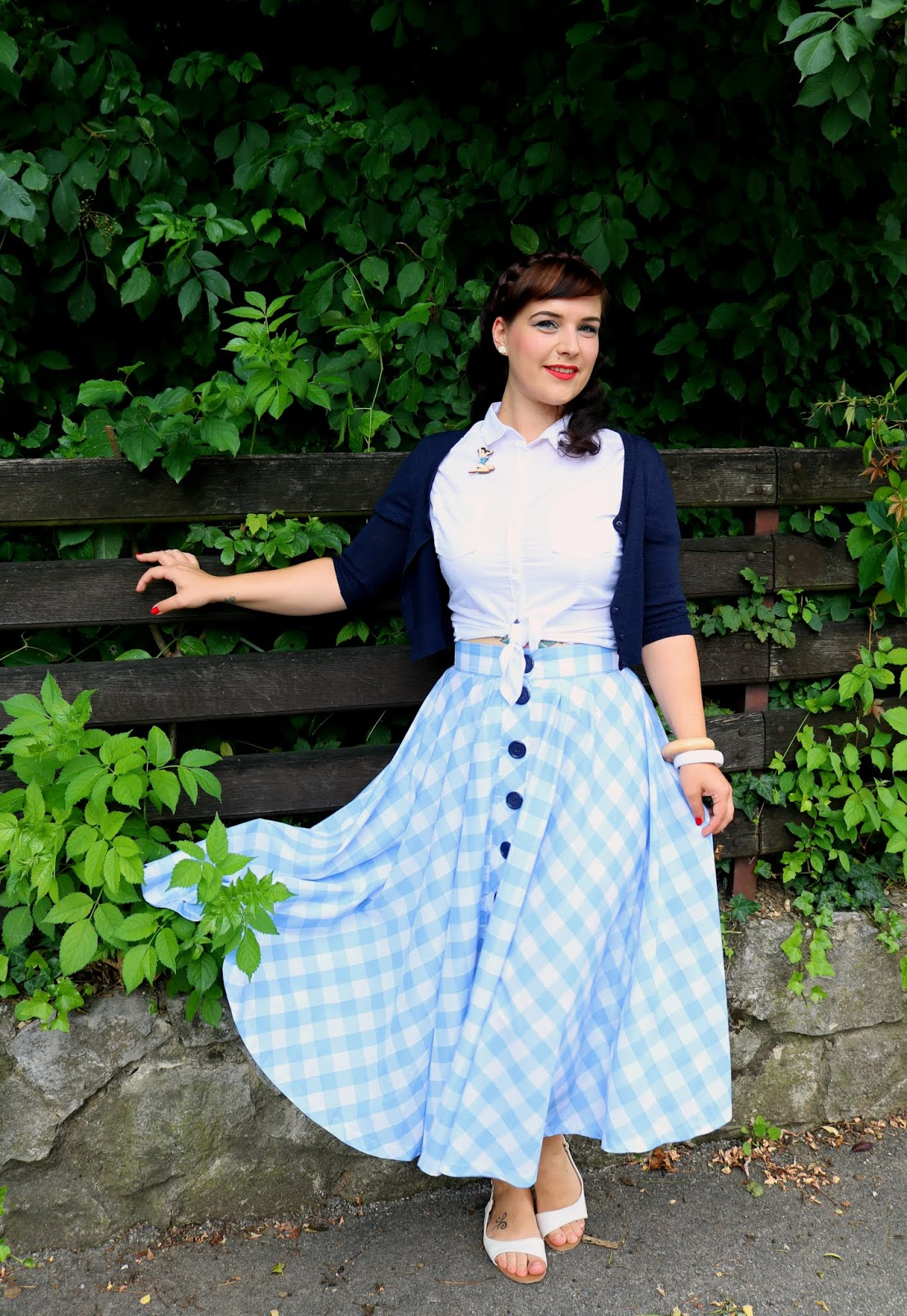 9f236ca2566481 I am beyond happy with my skirt and I love The Fifty-Five Collection by Campbell  Crafts. Honestly, I can't wait to se that will come out next and all the ...