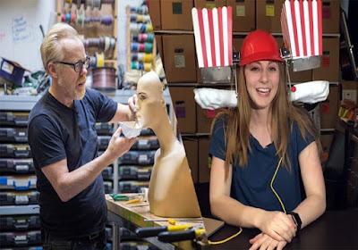 Simone Giertz, Youtuber Cantik Yang Buat Robot Menjengkelkan