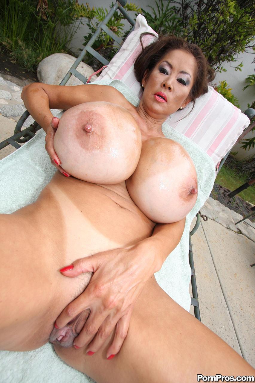 Can suggest minka big tits porn