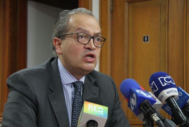 Procuraduría suspende por tres meses a subsecretario del Senado