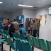 """VIDEO: TRAVESTI FAZ A """"ELZA"""" DENTRO DO PLATÃO ARAÚJO PARA RECEBER PROGRAMA DE MOTOTAXISTA EM MANAUS"""