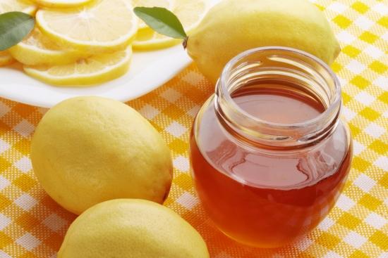 Cách chữa viêm họng bằng mật ong và chanh tươi