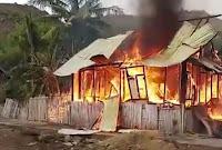 Pagi 1 Januari 2020, Rumah Panggung di Sanolo Hangus Dilahap Api