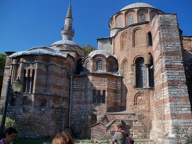 كنيسة تشورا
