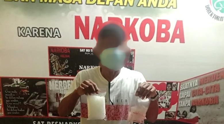 Setengah Kilogram Sabu Ditanam Belakang Rumah, Polres Banggai Tangkap Warga Luwuk Selatan