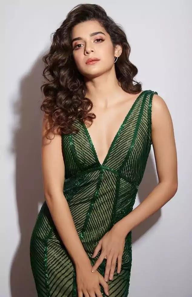 mithila-palkar-in-green-gown