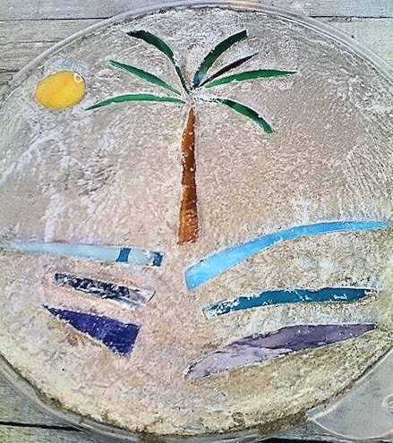 How to make garden stepping stones with shells seaglass for Mosaic pieces for crafts