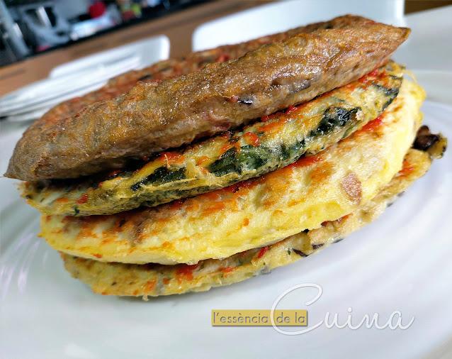 Pastís de Truites, truita, ous, cuina facil, casolana, l'essència de la cuina, blog de cuina de la sònia, pastel de tornillas
